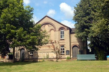 Former Methodist Church in Heath and Reach