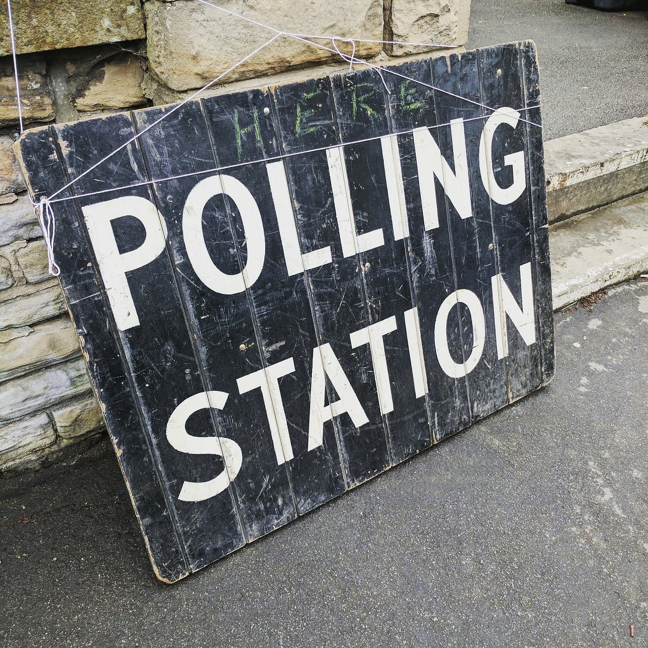 Polling Station image - alt text